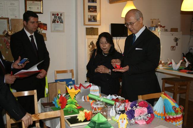 Ön elemeden geçen en iyi 3 eser belirlendikten sonra Japonya Başkonsolosu Bay Ehara ve eşi tarafından ilk üç belirlendi.