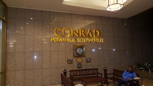Conrad Otelde Yapıldı
